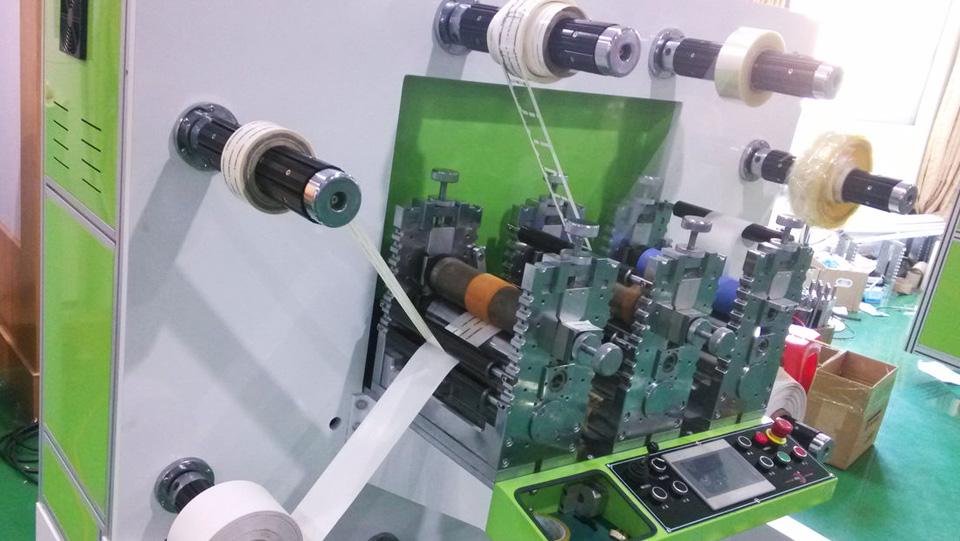 máy sản xuất băng dính in logo